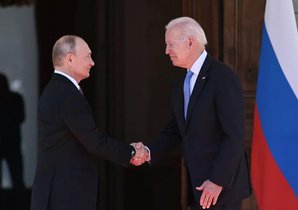 Photo of Байден провел телефонный разговор с Путиным
