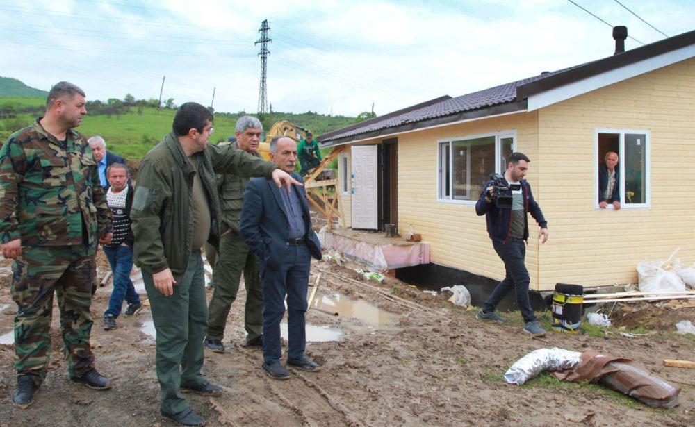 Photo of «100-130 բնակելի տուն է կառուցվում. փորձում ենք նաև հրետակոծված տները վերանորոգել». Կարմիր շուկայի գյուղապետ