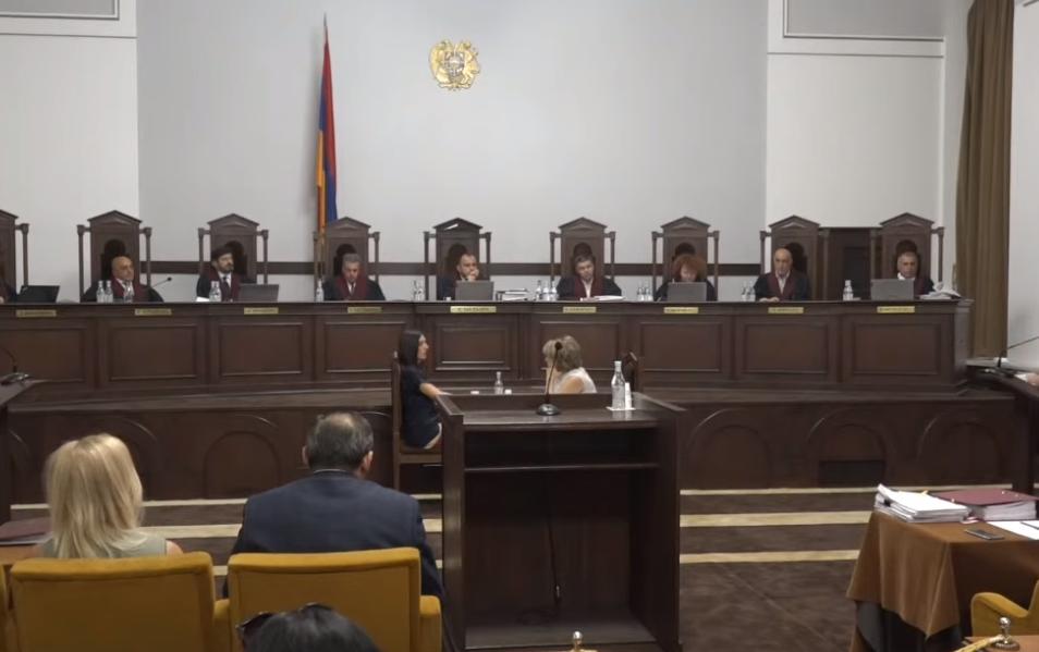 Photo of Заседание Конституционного суда по обжалованию результатов выборов продолжится завтра.