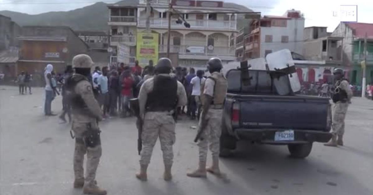 Photo of Во время похорон убитого президента Гаити прошли беспорядки
