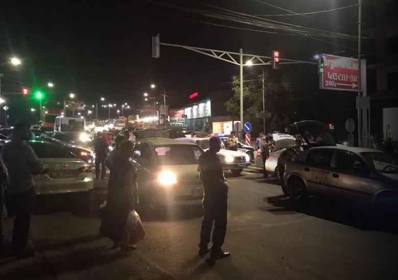 Photo of Երևանում ուժեղացված ծառայություն է. ինչու են խուզարկվում մեքենաները