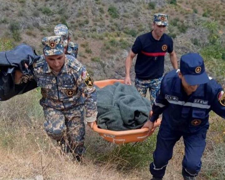 Photo of Փրկարարներն Արմավիրի բնակչի մարմինը դուրս են բերել ձորից և տեղափոխել Ստեփանակերտ
