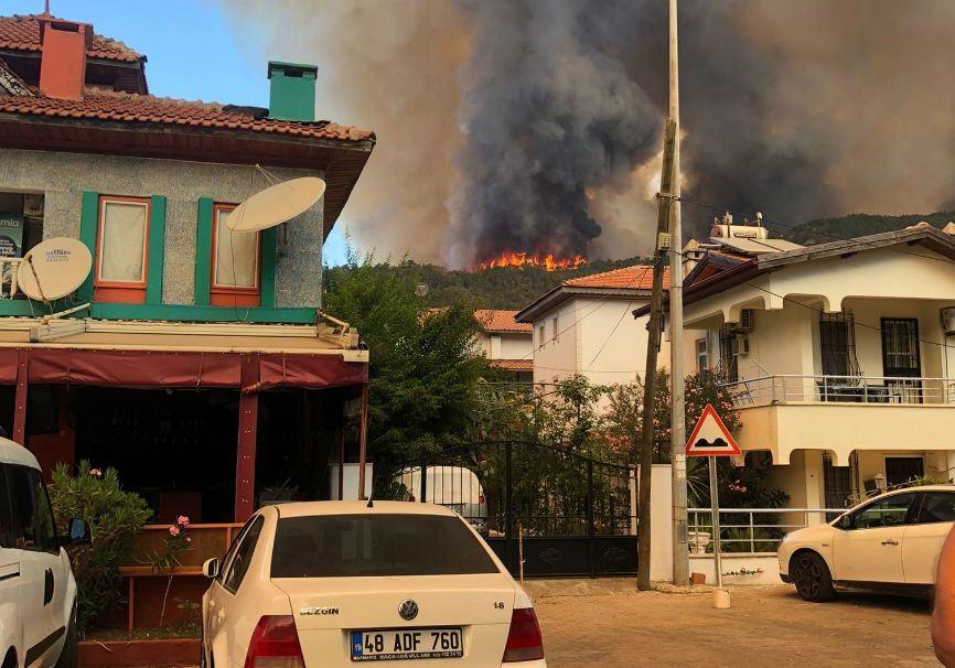 Photo of Жителей турецкого Мармариса готовили к эвакуации из-за пожаров