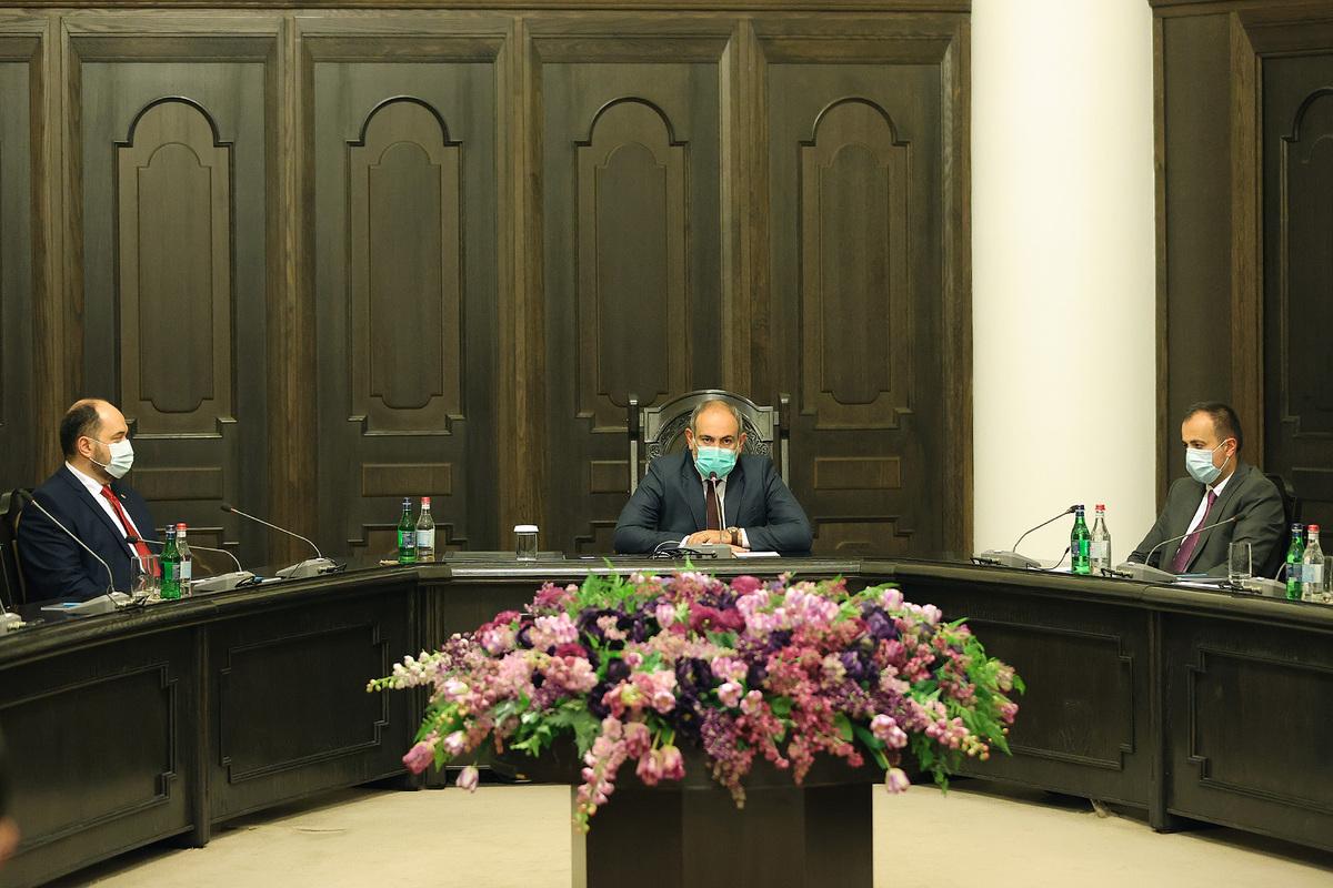 Photo of Նիկոլ Փաշինյանը վարչապետի աշխատակազմին է ներկայացրել նորանշանակ ղեկավար Արայիկ Հարությունյանին