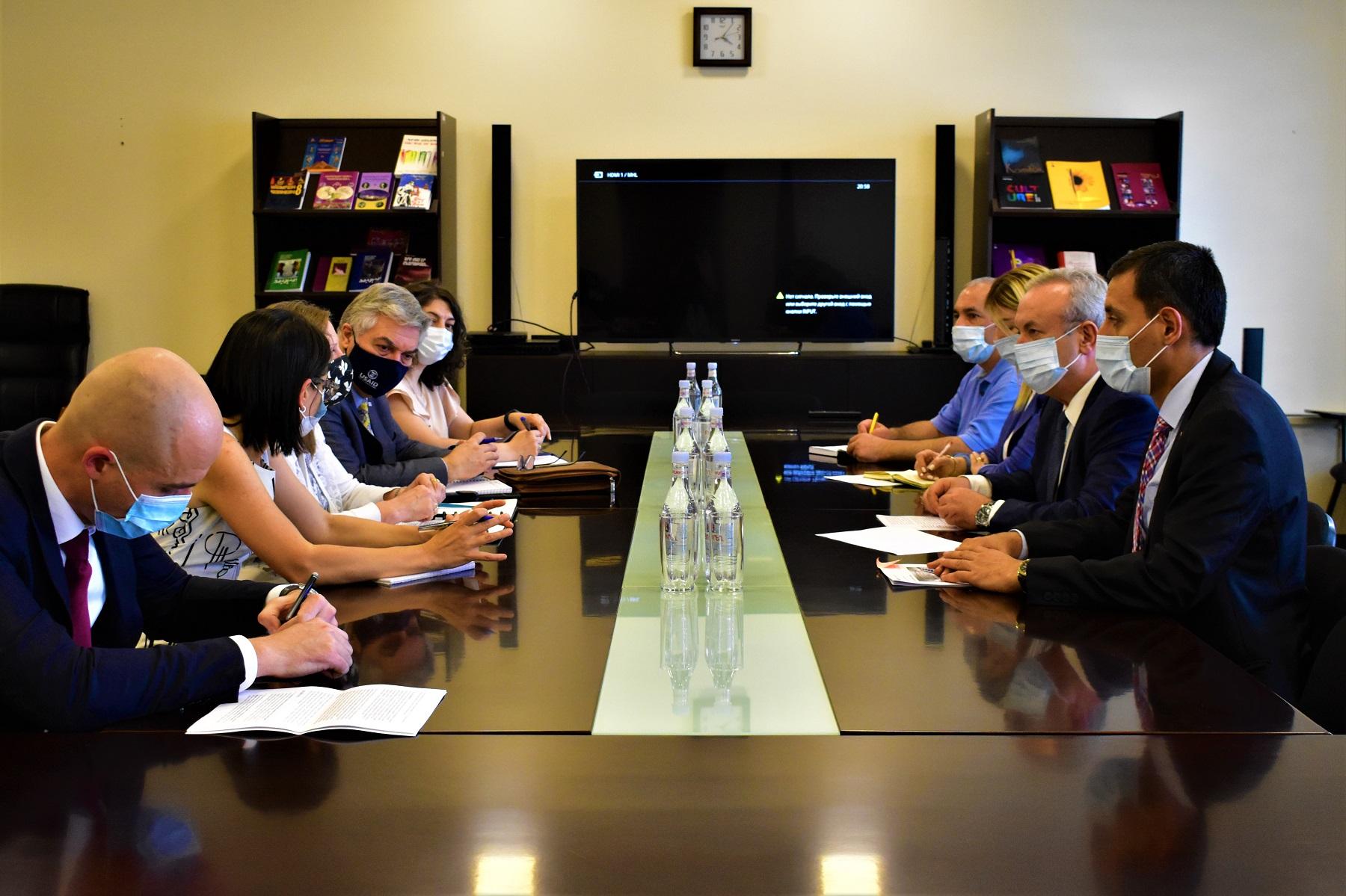 Photo of Վահրամ Դումանյանն ընդունել է ՀՀ-ում ԱՄՆ դեսպան Լին Թրեյսիին