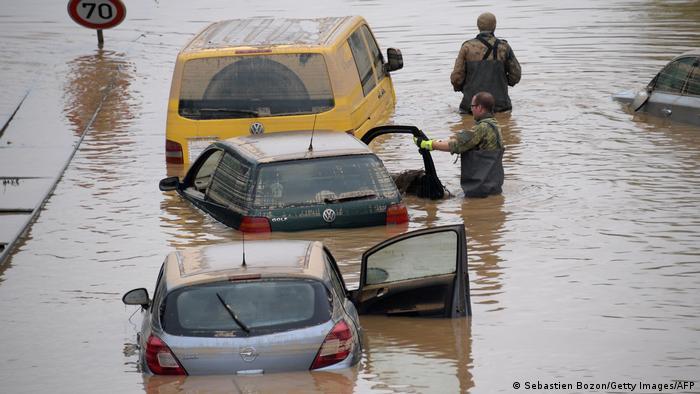 Photo of Число жертв наводнения в Германии продолжает расти