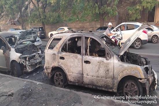 Photo of Հրդեհ Սարյան փողոցում․ մեքենաներ են այրվել, տուժածներ չկան