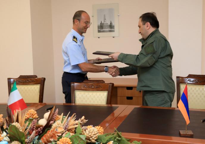 Photo of Армянские и итальянские военные провели консультации по вопросам сотрудничества