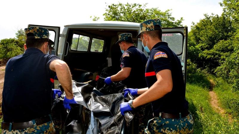 Photo of Ֆիզուլիի շրջանում հայտնաբերվել է 3 հայ զինծառայողի աճյուն, ևս 3 աճյուն փոխանցել է ադրբեջանական կողմը՝ Կարմիր Շուկա-Շեխեր հատվածում