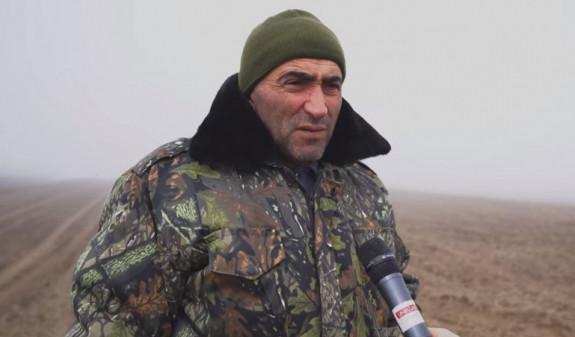 Photo of Ադրբեջանցիները Տեղի կոմբայնավարին մեղադրել են սահմանը հատելու մեջ. Արավուսի գյուղապետը հոսպիտալից հեռախոսով ադրբեջաներեն բանակցել է թշնամու հետ. Փաստինֆո