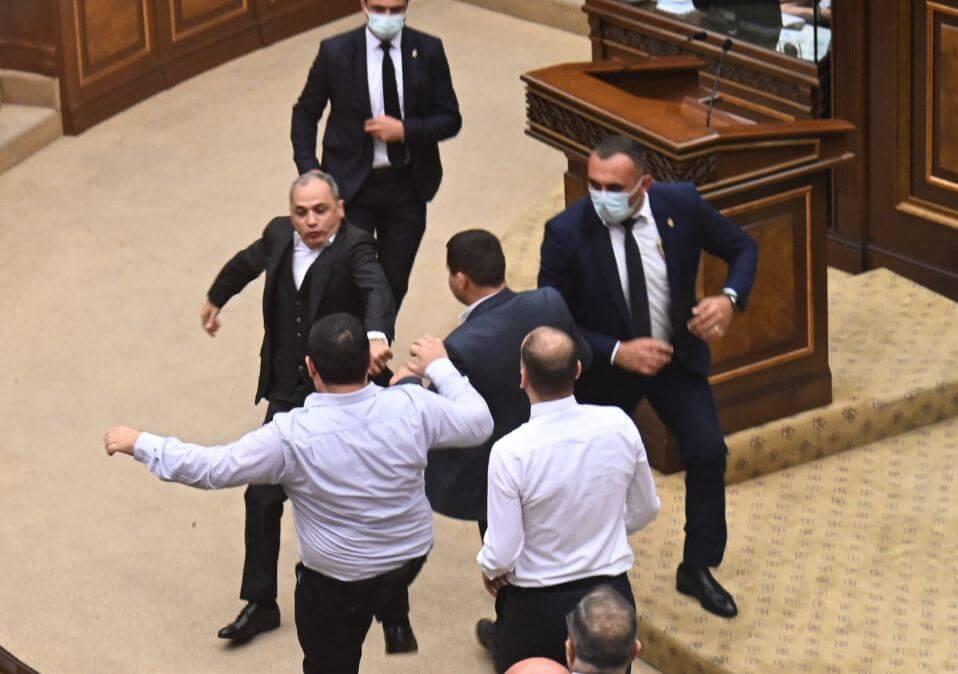 Photo of «Այս ԱԺ-ն չի կարող կատարել իր առջև դրված խնդիրները». Ն. Դիլբարյան