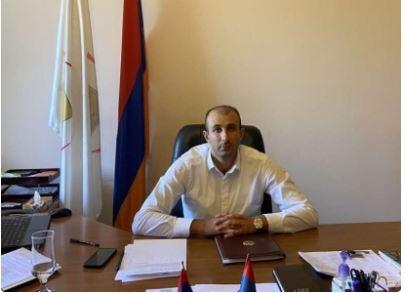 Photo of Պարզվել է, ով է Աջափնյակ վարչական շրջանի ղեկավարի տեղակալին ծեծի ենթարկողը. ոստիկանությունը որոնում է նրան