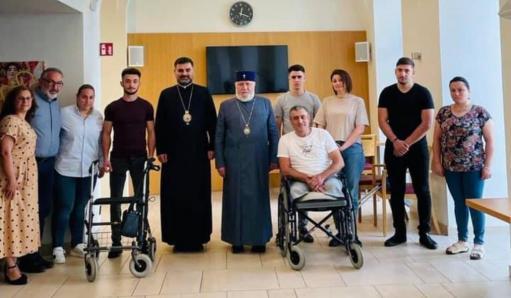 Photo of Կաթողիկոսը Վիեննայում այցելել է Արցախում վիրավորում ստացած զինվորներին