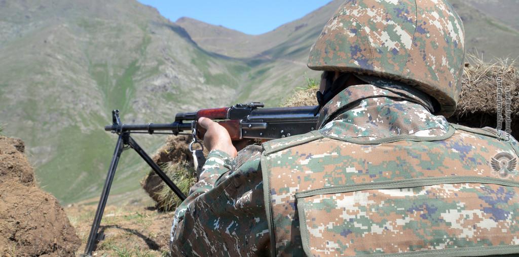 Photo of Ադրբեջանական ԶՈՒ ստորաբաժանումները հերթական անգամ դիմել են սադրանքի՝ կրակ բացելով հայկական դիրքերի ուղղությամբ. ՀՀ ՊՆ