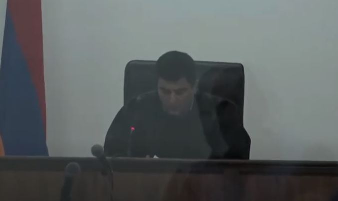 Photo of Суд отложил рассмотрение ходатайства об освобождении Армена Чарчяна под залог
