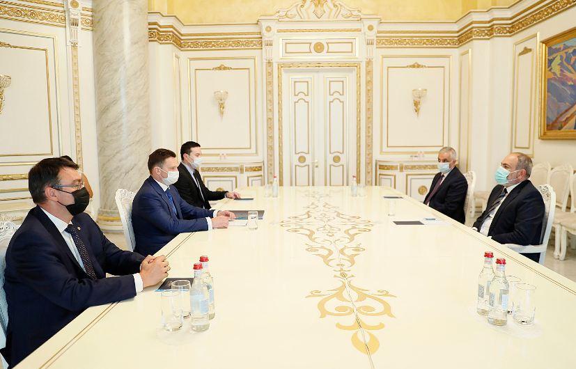 Photo of Премьер-министр Пашинян и председатель правления ЕАБР обсудили вопросы развития сотрудничества