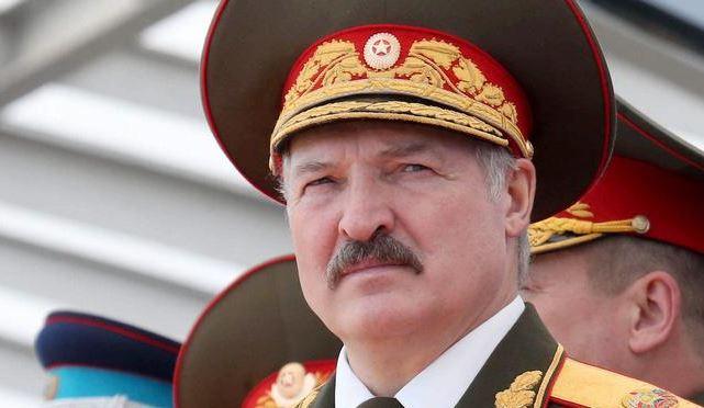 Photo of Лукашенко сообщил об огромных военных поставках из России