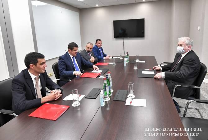 Photo of Президент Арцаха встретился с российским сопредседателем Минской группы ОБСЕ Игорем Ховаевым