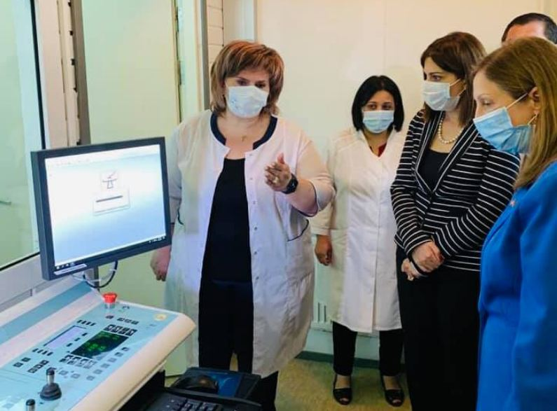 Photo of Спитакскому медицинскому центру предоставлен новейший аппарат визуализации.