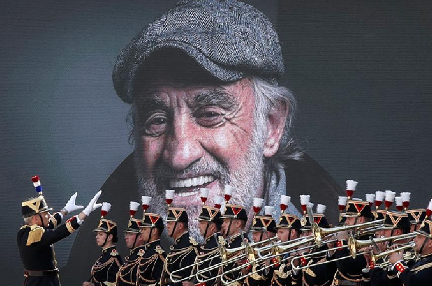 Photo of Փարիզում հրաժեշտ են տալիս Ժան Պոլ Բելմոնդոյին