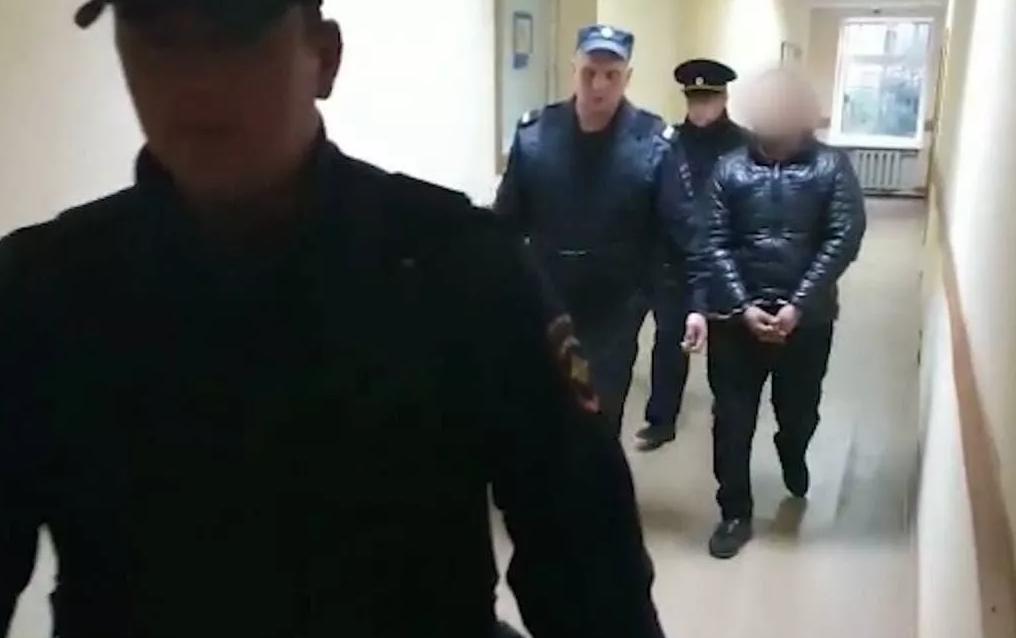 Photo of ՌԴ-ում թոշակառու կնոջը բռնաբարած եւ սպանած տաջիկները կալանավորվել են