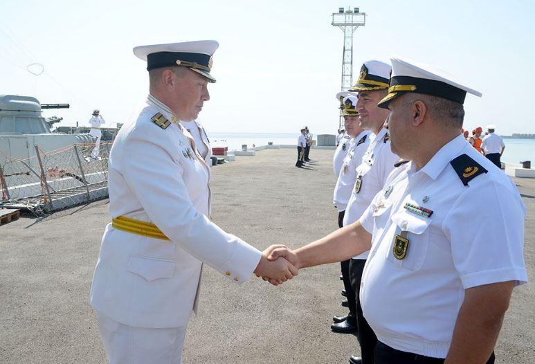 Photo of Российские военные корабли находятся с дружественным визитом в Баку