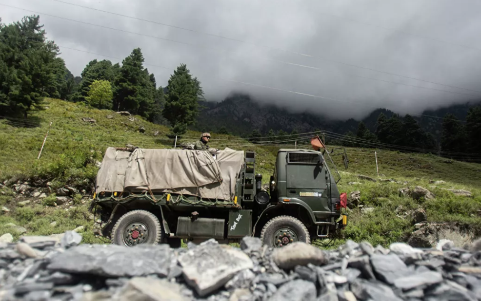 Photo of Индия отключила связь в Кашмире из-за нападения террористов