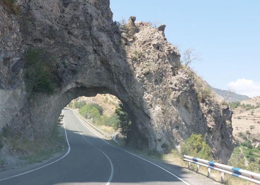 Photo of Միայն այլընտրանքային ճանապարհների հիմնանորոգումը խնդիր չի լուծի. Տ. Աբրահամյան