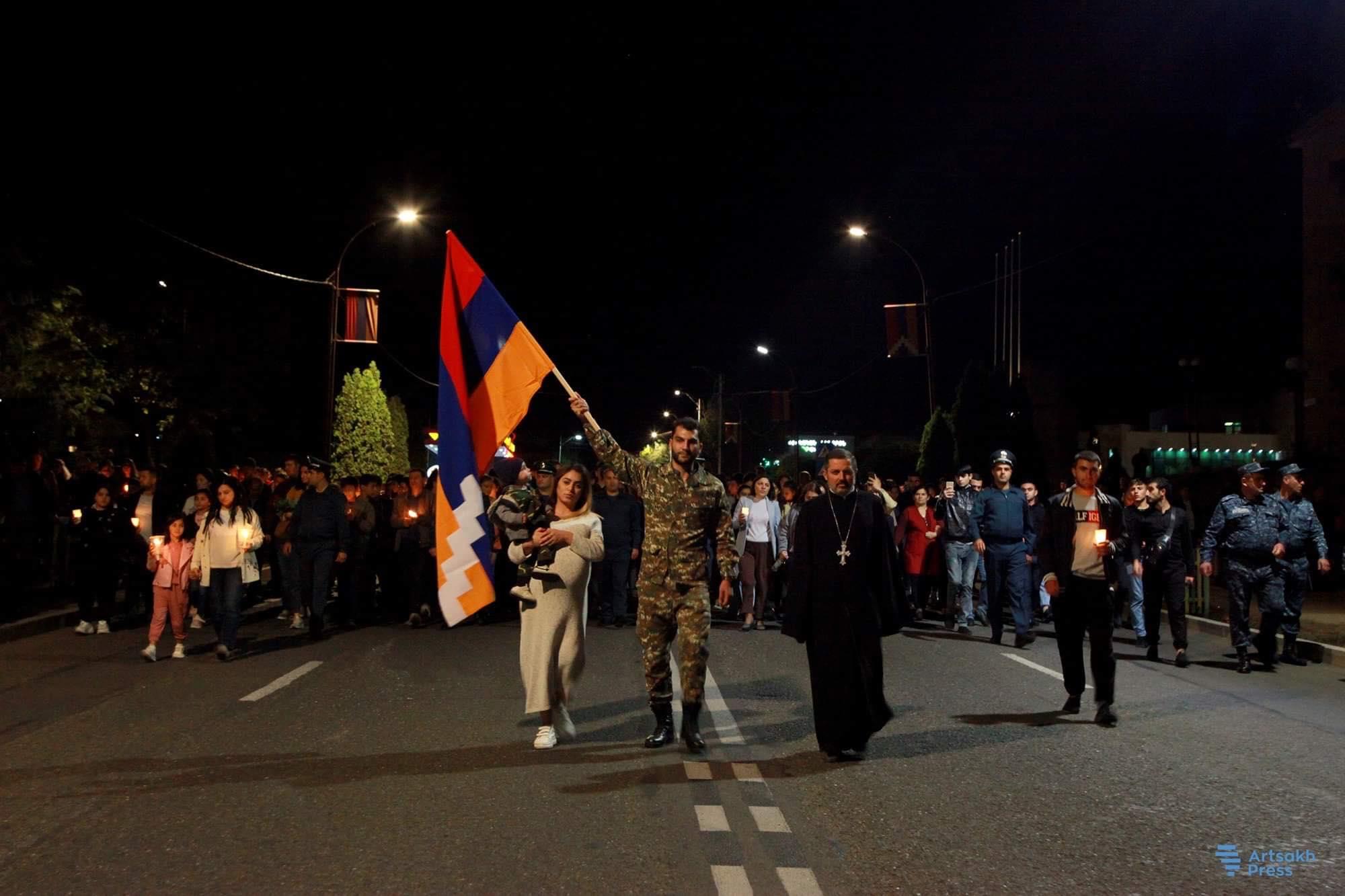 Photo of Ստեփանակերտում «Արցախն ապրում է» խորագրով ջահերթ է կազմակերպվել