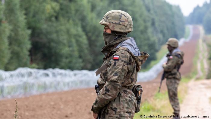 Photo of Польша направит еще 500 военных для охраны границы с Беларусью