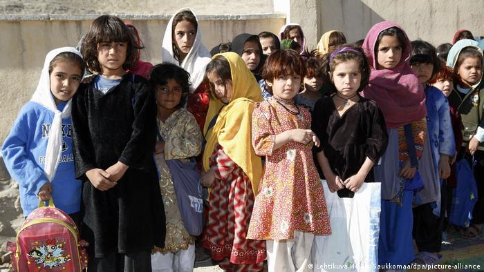 Photo of ЮНЕСКО призвала талибов открыть школы для девочек