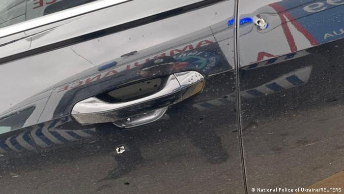 Photo of В Украине обстреляли автомобиль помощника президента страны