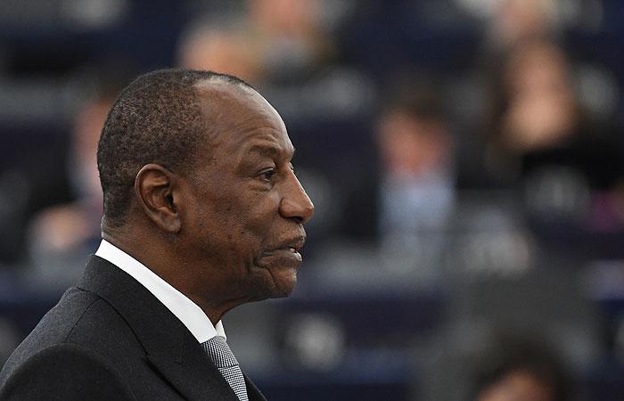 Photo of Главарь мятежников в Гвинее подтвердил арест президента страны