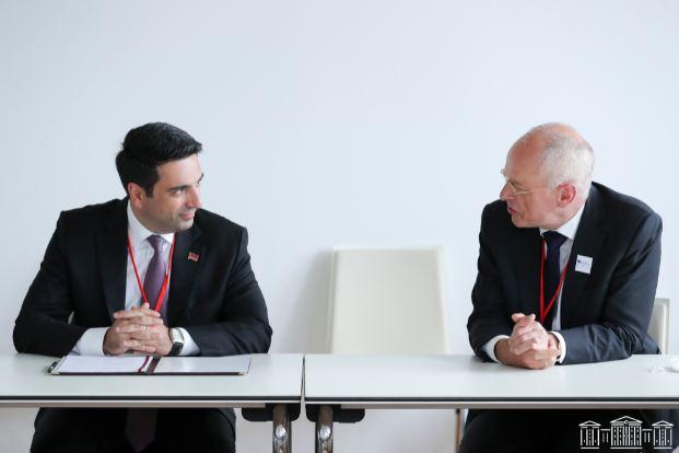 Photo of Ալեն Սիմոնյանը Վիեննայում հանդիպել է Նիդերլանդների Սենատի նախագահին