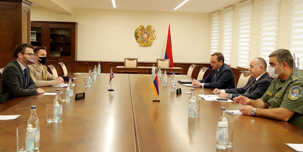 Photo of Министр обороны Армении и посол Великобритании обсудили вопросы региональной безопасности