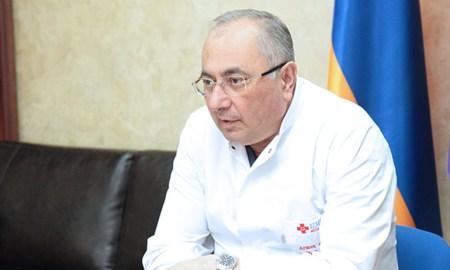 Photo of У Армена Чарчяна диагностировали пневмонию. Состояние тяжелое