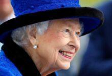 Photo of «Человеку столько лет, на сколько он себя чувствует». Елизавета II не захотела стать «старушкой года»