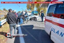 Photo of Խոշոր ավտովթար՝ Կոտայքի մարզում. 30-ամյա վարորդը Toyota-ով մխրճվել է ԶԻԼ-ի մեջ. վիրավորին մեքենայից դուրս են բերել փրկարարները